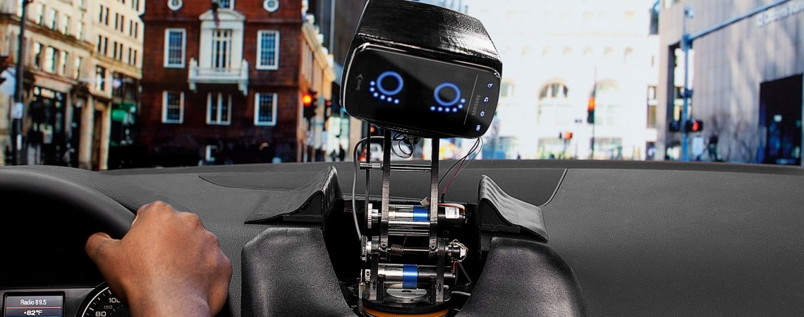 AIDA - intelektualus robotas vairuotojams - 1