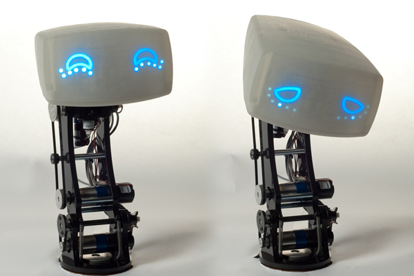 AIDA - intelektualus robotas vairuotojams