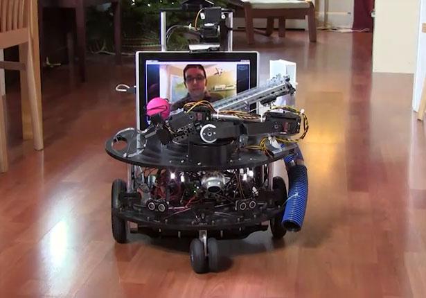 Robotas DarwinBot prižiūrės jūsų naminį augintinį. 1jpg