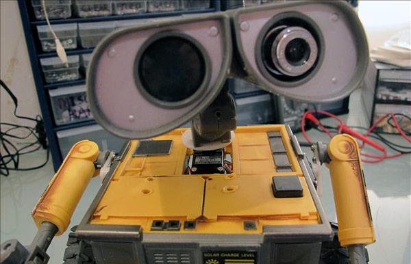8 roboto Wall-E kopijos 1