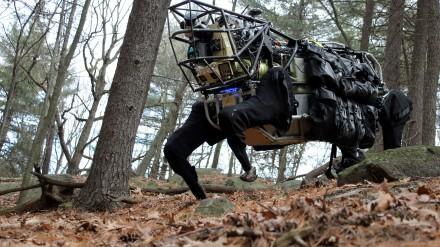 Keisčiausi Pentagono robotai