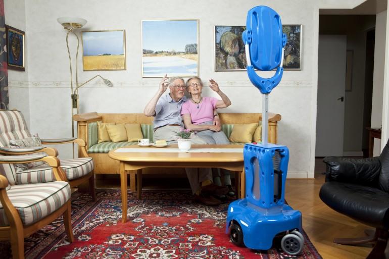 Naujieji senyvo amžiaus žmonių pagalbininkai