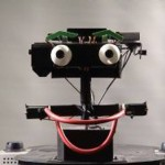 Draugiški robotai galėtų pagerinti humanoidų ir žmonių tarpusavio bendravimą