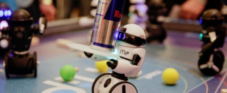 """""""WowWee MiP"""" roboto apžvalga (Video)"""