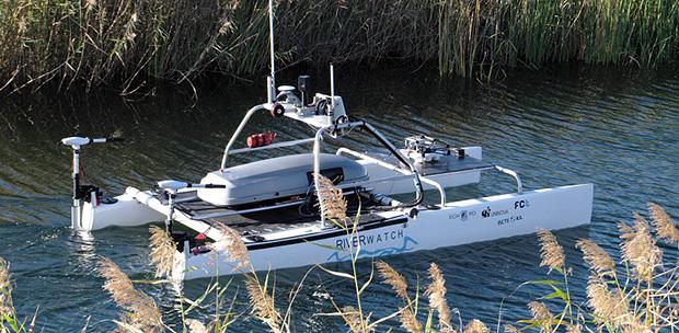 Robotų komanda kontroliuoja upes 1