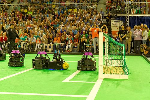 Brazilijoje startavo robotų futbolo čempionatas RoboCup 2014 1