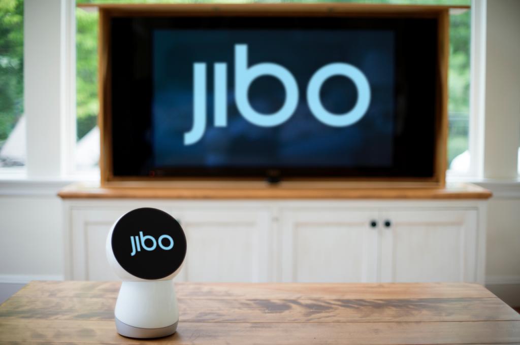 Jibo – pirmasis pasaulyje socialinis robotas, skirtas naudoti namuose 1