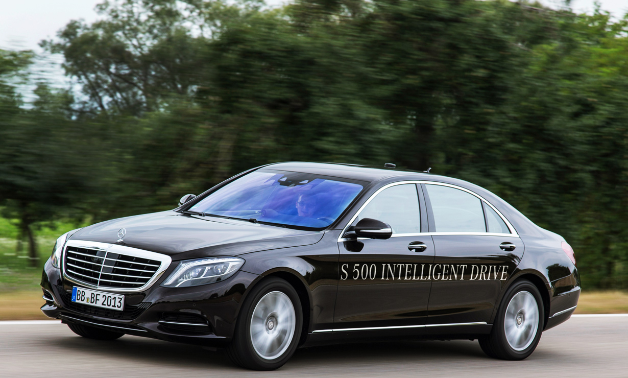 S 500 Intelligent Drive / mercedes-benz.com nuotr.