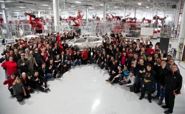 """""""Tesla"""" automobilių gamykla"""
