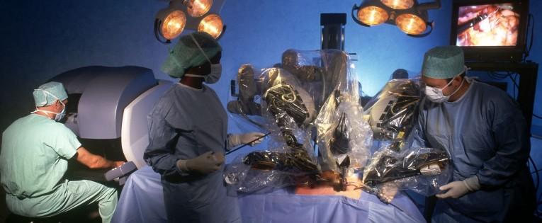 Ar ateityje mus operuos ne chirurgai, o robotai?