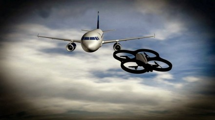 Dronas lėktuvas