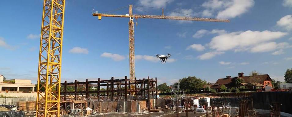 Dronas statybose