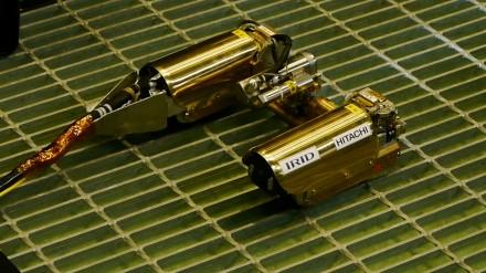 transforming-robot-1-100580107-orig