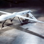 Predator kovinis dronas