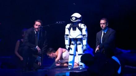 Robotas opera