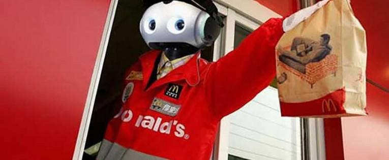"""""""Žmogiškoji rega"""" robotuose taps nedarbo priežastimi?"""