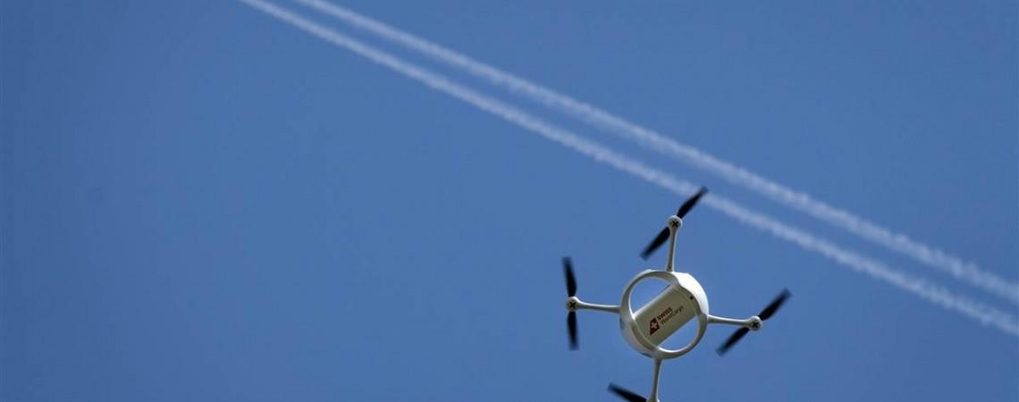 Dronas lėktuvai