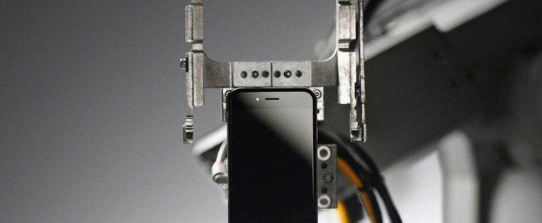 Apple Liam – robotas, skirtas išardyti senus išmaniuosius telefonus (Video)