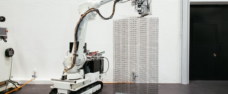 Mesh Mould – robotas-statybininkas (Video)